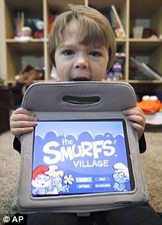 Sawyer Rummelhart: US$ 66.88 jogando Smurfs